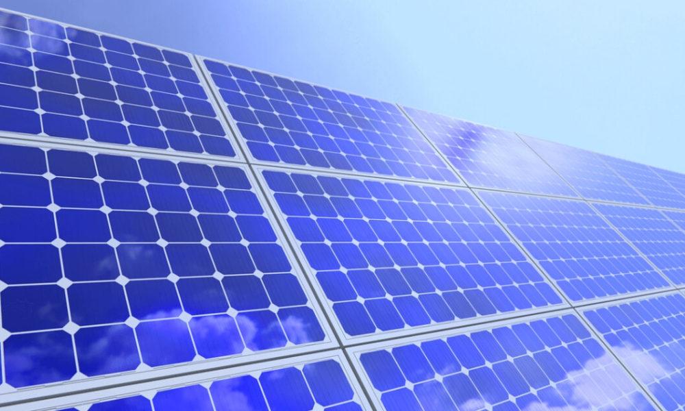 How Long do Solar Panels Last in Maui?