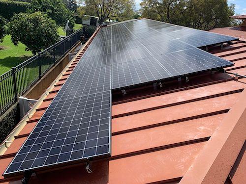 Off-grid solar panels on Maui 1