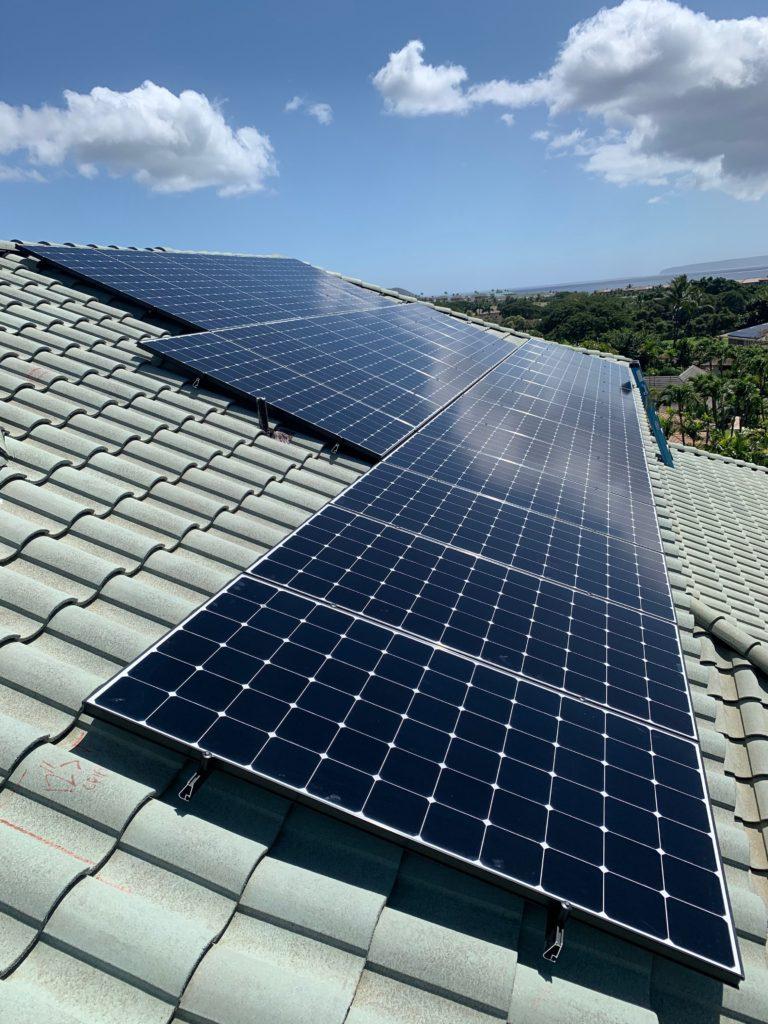 Solar panels for off grid living on Maui